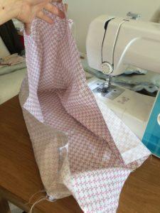Couffin de poupée ou poupon 30cm. DIY couture débutant. Tuto illustre et complet. Patron gratuit.